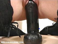 dildo-insertion-riding-thick