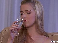 blonde-fuck-girl-girlfriend