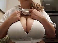 big boobs-blonde-boobs-busty girls