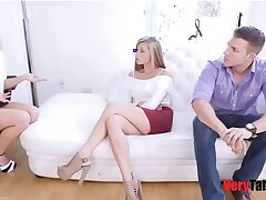 babe-blonde-blowjob-brother
